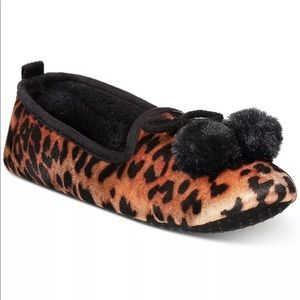 New CHARTER CLUB Memory Foam Slippers Women M 7/8